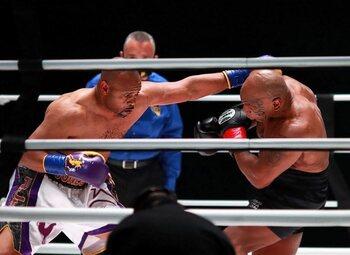 Mike Tyson verbaast vriend en vijand bij comeback