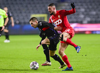 Le Standard de Liège et Anderlecht s'affrontent dans un duel de clubs malades