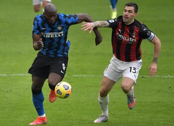 AS Roma en AC Milan zijn op zoek naar een solide defensie
