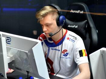 """Nicolas """"Keoz"""" Dgus, joueur chez Syman Gaming : """"Je m'investis à fond dans mon équipe pour qu'on aille le plus loin possible ensemble."""""""