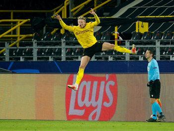 Dortmund kwalificeert zich met nieuwe, recordbrekende tweeklapper van Haaland
