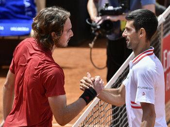 Djokovic-Tsitsipas, een finale die lijkt op een botsing tussen generaties op Roland Garros