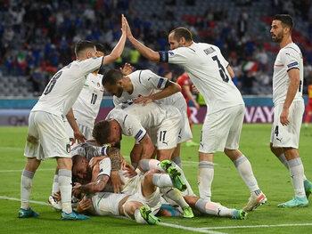 L'Italie flamboyante contre l'Espagne à deux visages: un choc méditerranéen en demi-finale de l'Euro