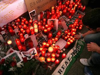 Hoe de dood van Antonio Puerta de rivaliteit tussen Betis en Sevilla opzij schoof