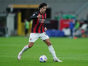 Sandro Tonali moet de luis in pels van Inter worden tijdens de Milanese derby