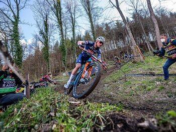 Mathieu van der Poel remporte son premier test en VTT