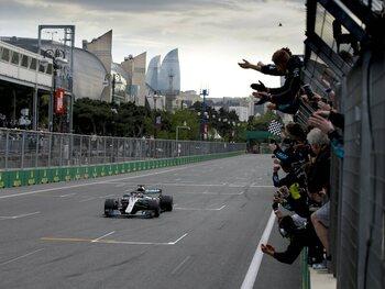 De straten van Bakoe, strijdtoneel voor de revanche van Lewis Hamilton?