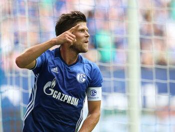Wordt de 37-jarige Klaas-Jan Huntelaar de redder in nood voor Schalke 04?