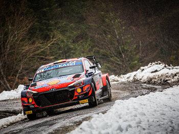 Thierry Neuville boekt vooruitgang in de Rally van Monte Carlo