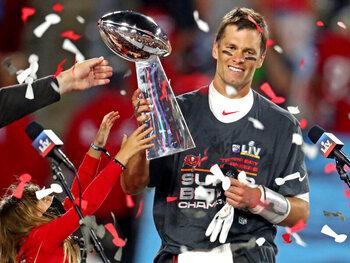 Tom Brady bouwt via contractverlenging verder aan sterrenstatus