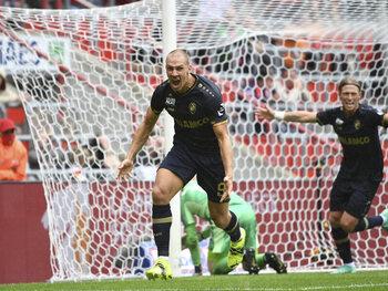 Michael Frey scoort vijf goals voor Antwerp in doelpuntrijk weekend