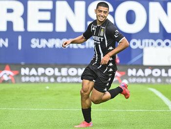 Wie is de jonge talentvolle Belg Anass Zaroury, de revelatie bij Sporting Charleroi?