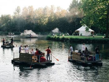 Vivez une expérience inoubliable au festival 'Paradise Down by the Lake'