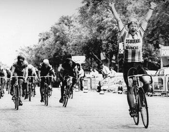 1980: Pol Verschuere verschalkt de sprinters op de Champs-Élysées