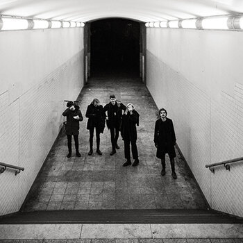whispering sons alone post punk coldwave image concert live proximus music