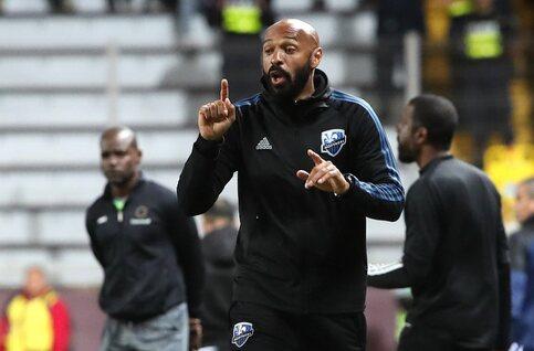Thierry Henry knielt 8 minuten en 46 seconden