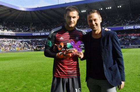 Remise du prix du joueur du mois à Anderlecht !
