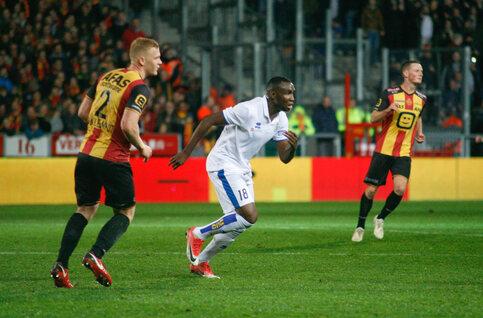 Op recordjacht? Slechts vier spelers scoorden meer in Play-off 2 seizoen dan Niakaté en Selemani