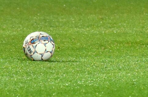 Un penalty (léger) permet au Lierse d'envisager encore la montée