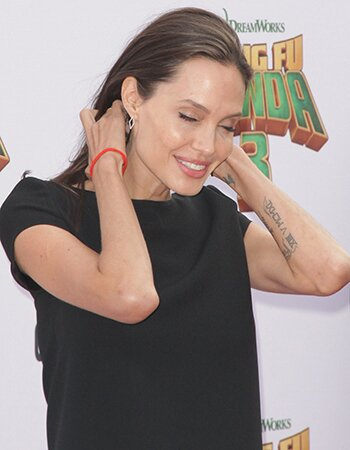 Les 17 Tatouages D Angelina Jolie Proximus Tv