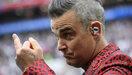 Middenvinger Robbie Williams tijdens openingsceremonie WK voetbal was bedoeld voor critici
