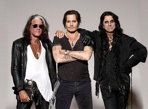 Ode à ungroupe de reprises: les Hollywood Vampires, le groupe de Johnny Depp et Alice Cooper !
