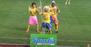Mythische vieringen: Braziliaanse spits playbackt Shakira voor thuispubliek na het scoren