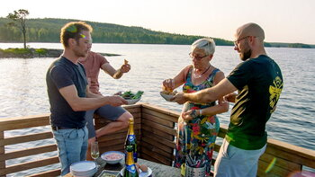 Work hard, play hard in 'Camping Coppens'