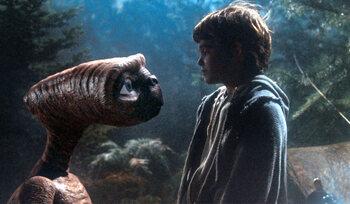 Elliott & E.T. in E.T.