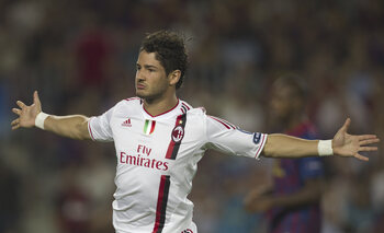 One day, one goal : Alexandre Pato inscrit un but au FC Barcelone après 24 secondes pour le compte du Milan AC