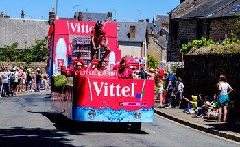 La caravane, cet autre incontournable du Tour de France