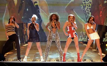 Spice Girls - 'Too Much 'en 'Spice Up Your Life'