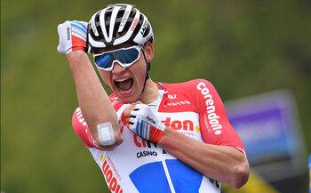 LAST YEAR… Van der Poel empile les victoires et épate le peloton