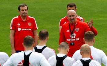 De trainer: Stanislav Tsjertsjesov