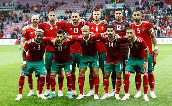 Marokko, hongerige leeuwen op zoek naar prooi