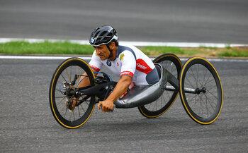22 september - Alex Zanardi heerst op de Ironman
