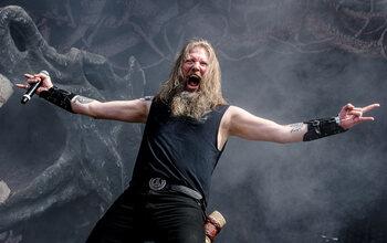Amon Amarth: de raven van Odin shoppen keet!