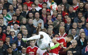 One day, one goal: la volée magistrale de Benteke contre United