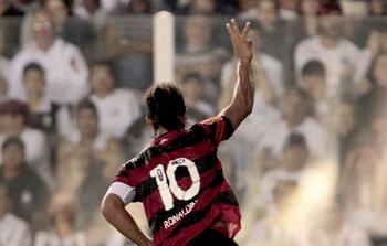 Ronaldinho's genialiteit geeft de doorslag
