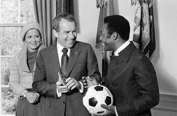 Quand Pelé fréquentait une jeune playmate