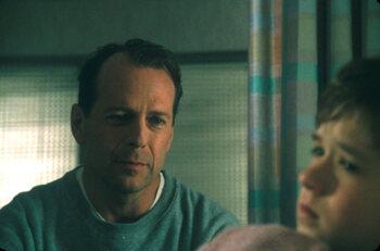'The Sixth Sense' (1999) / 'An Occurrence at Owl Creek Bridge' (1962)