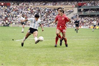 Maradona speelt België helemaal van de mat