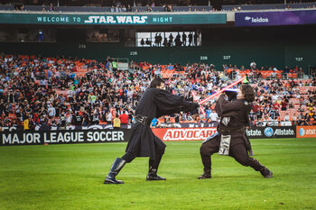 Combat de sabres lasers sur la pelouse de DC United