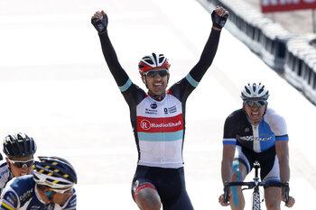 Cancelarra en Vanmarcke surplacen op de piste in Roubaix