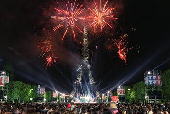Un concert hors normes au pied de la Tour Eiffel