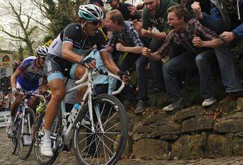 Fameuze inzinking Cancellara in de Ronde van 2011