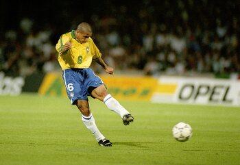 One day one goal: Roberto Carlos défie les lois de la physique