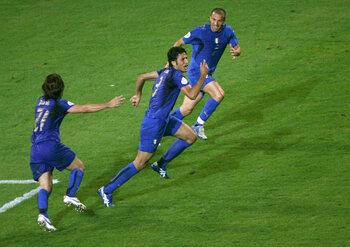 One day, one goal: Fabio Grosso bezorgt Italië een delirium