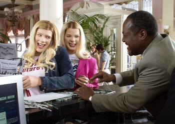 'A Thousand Miles' de Vanessa Carlton dans 'FBI : Fausses Blondes Infiltrés'
