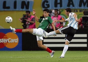 One day, one goal: la reprise de volée croisée de Maxi Rodriguez contre le Mexique